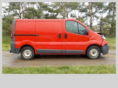 v hicule utilitaire accident renault trafic utilitaire d 39 occasion aux ench res agorastore. Black Bedroom Furniture Sets. Home Design Ideas