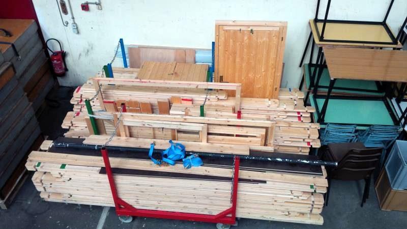 lot 16 chalet en bois construction modulaire bungalow d 39 occasion aux ench res agorastore. Black Bedroom Furniture Sets. Home Design Ideas