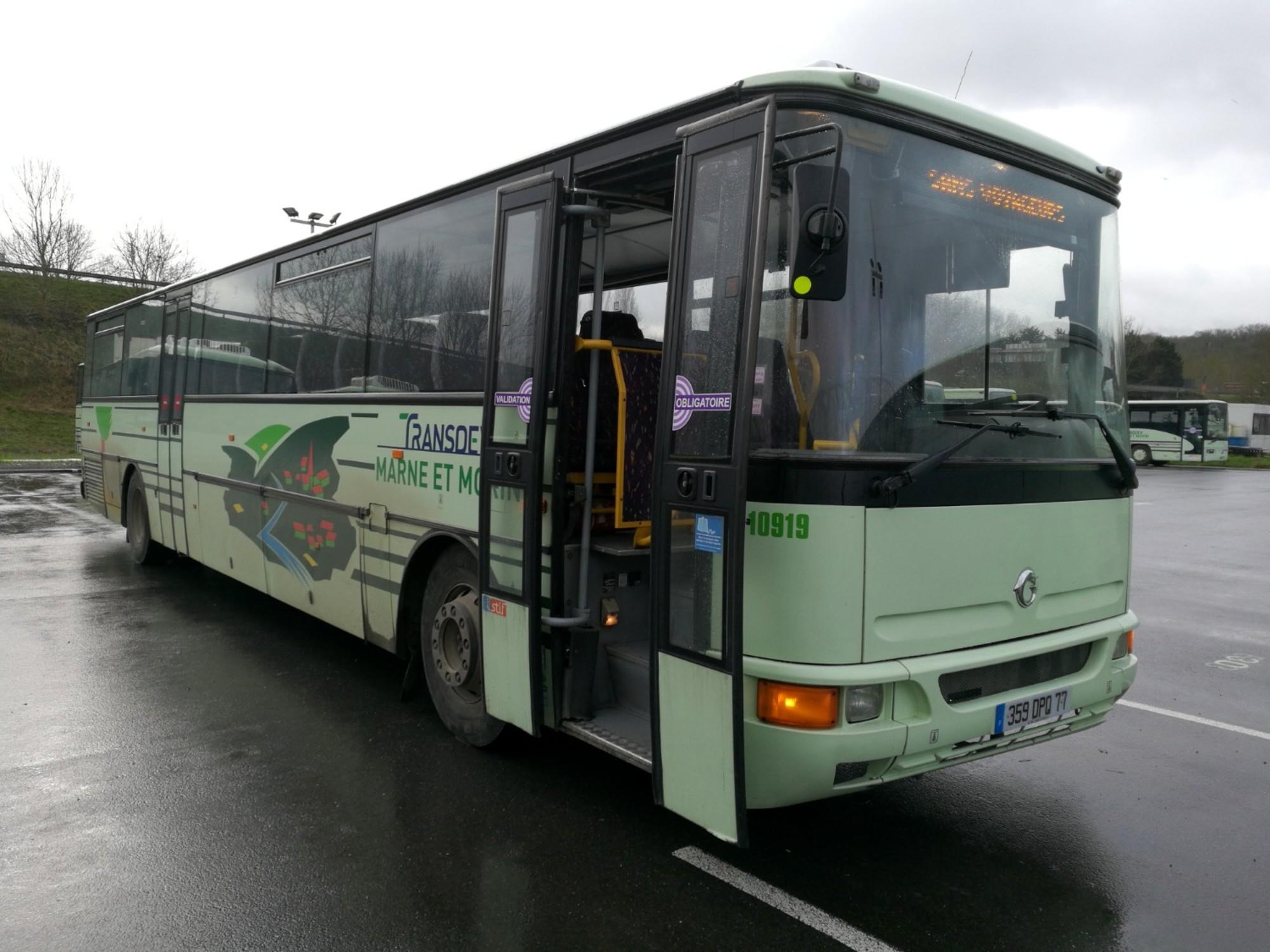 karosa recreo 10919 car bus d 39 occasion aux ench res agorastore. Black Bedroom Furniture Sets. Home Design Ideas