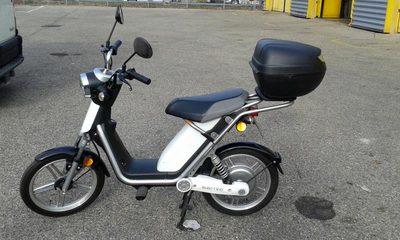 scooter electrique matra moto scooter 2 roues d 39 occasion aux ench res agorastore. Black Bedroom Furniture Sets. Home Design Ideas
