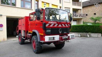 camion de pompier renault 110 150 4x4 v hicule de secours d 39 occasion aux ench res agorastore. Black Bedroom Furniture Sets. Home Design Ideas