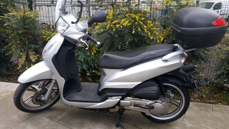 Scooter Peugeot 125 Cm3 Moto Scooter 2 Roues D