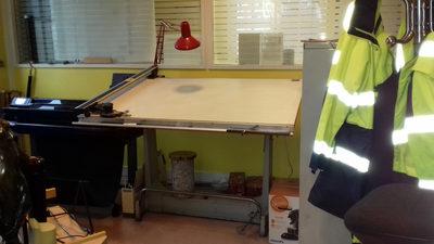 Table dessin professionnelle autres d 39 occasion aux ench res agorastore - Table a dessin professionnelle ...