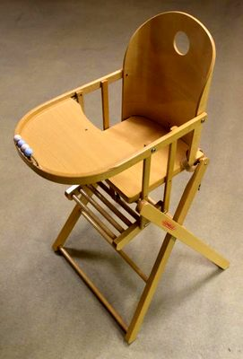 Chaise haute bois verni dossier arrondi pliable plat marque combelle pu riculture d 39 occasion - Chaise haute combelle occasion ...