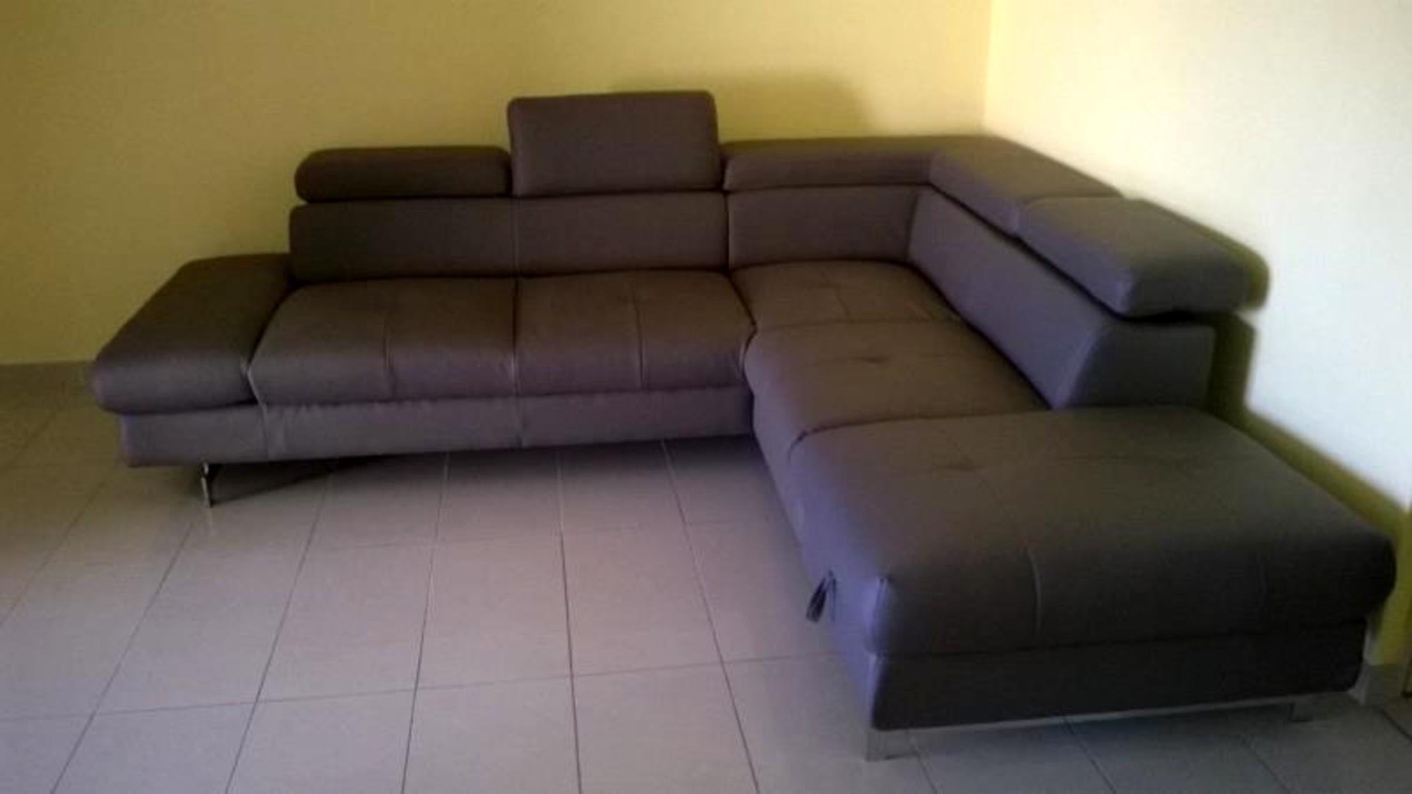 canap d 39 angle gauche autres mobiliers d 39 occasion aux ench res agorastore. Black Bedroom Furniture Sets. Home Design Ideas