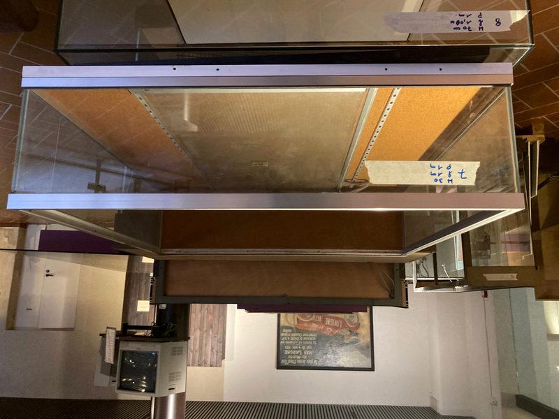 ag-image-gallery-image ag-image-gallery-image-fullscreenable ag-image-gallery-overlay-full