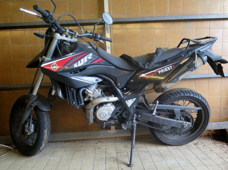 Yamaha 125 Wrx Moto Scooter 2 Roues D Occasion Aux