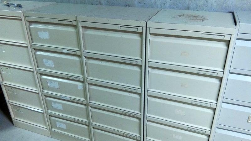 casier metallique 5 tiroirs rangement d 39 occasion aux ench res agorastore. Black Bedroom Furniture Sets. Home Design Ideas