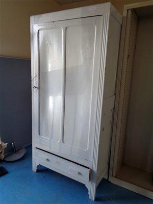 Image du produit: Armoire de rangement mobilier ancien