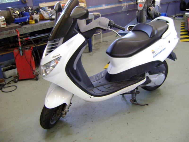 Scooter Peugeot Elystar 125 Cm3 778 Bvh 06 Moto Scooter