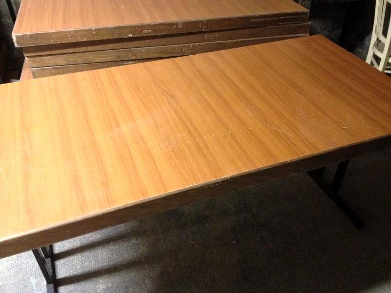 Aux Agorastore Bois Table D'occasion Enchères Pliable CWxBrdoe