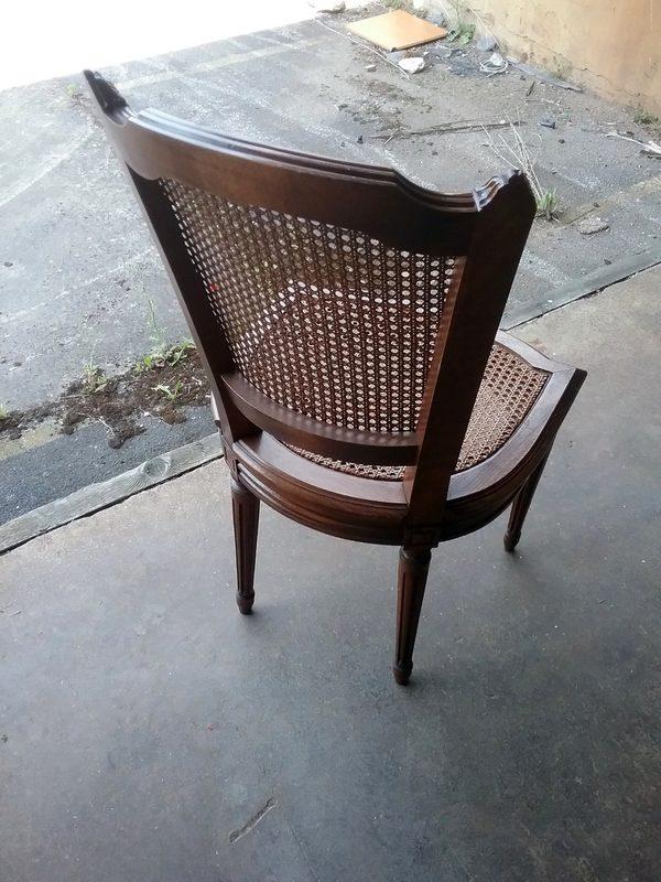 Lot 17 chaises bois nid d'abeille assise et dossier