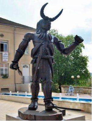 """Image du produit: """"Grand Guerrier"""" Statue originale en bois"""
