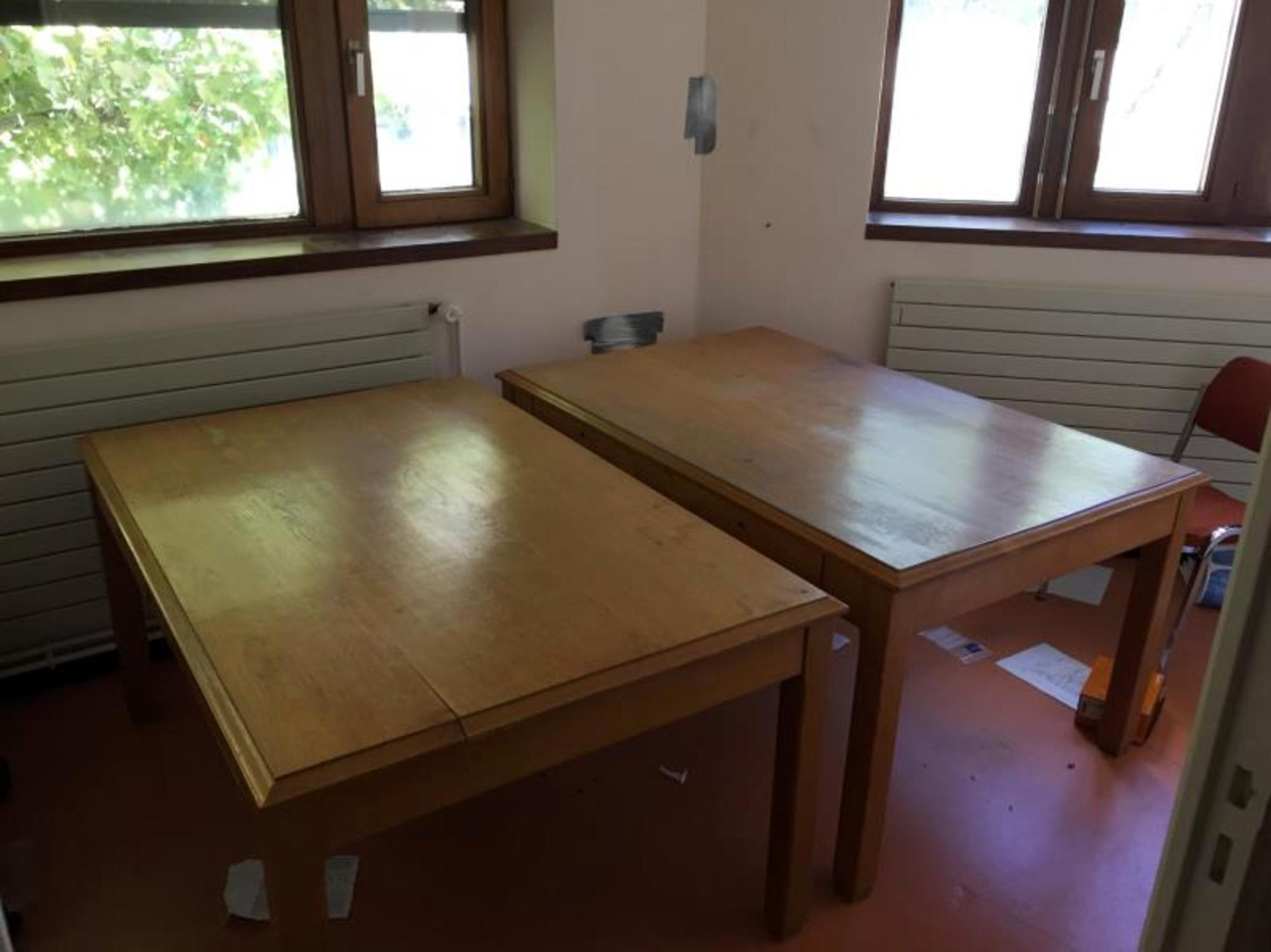 2 tables bureau bois table doccasion aux enchères agorastore