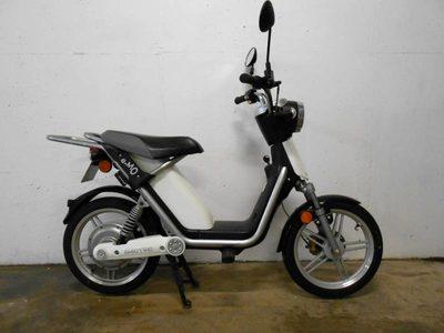 lot de 2 scooter matra e mo lectrique mob05 mob03 moto scooter 2 roues d 39 occasion aux. Black Bedroom Furniture Sets. Home Design Ideas